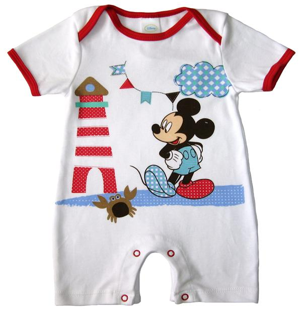 Your little one will snuggle and play in this adorable infants' romper from Disney. Featuring an oversized print of Winnie the Pooh, the romper reads,